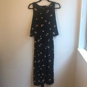 Oak + fort sz small black and floral jumpsuit